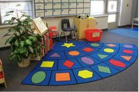 Những lưu ý chọn thảm trải sàn xốp cho bé